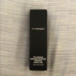 MAC Pro Longwear Waterproof Foundation